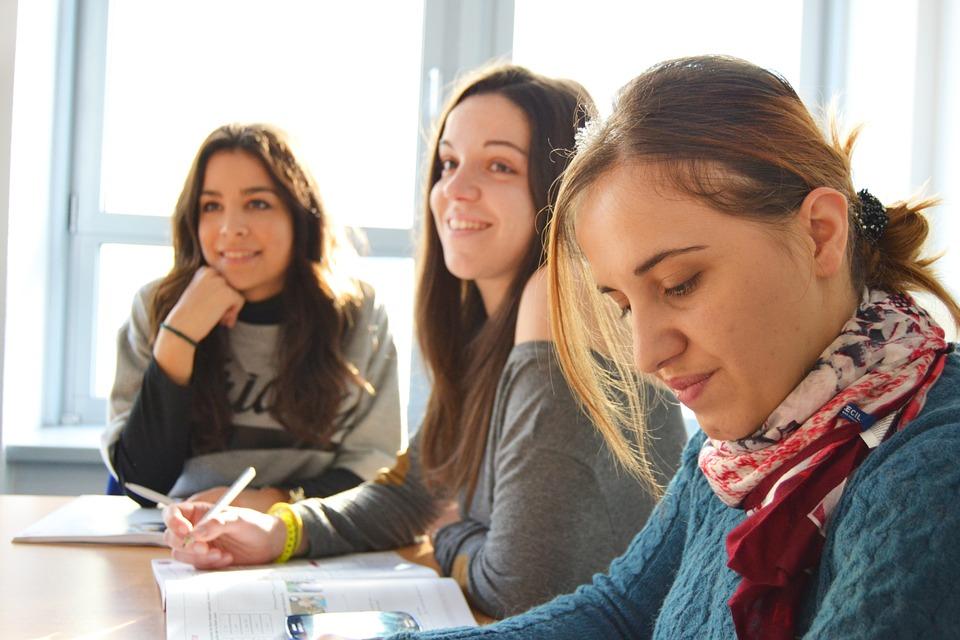 aprire una scuola di lingue